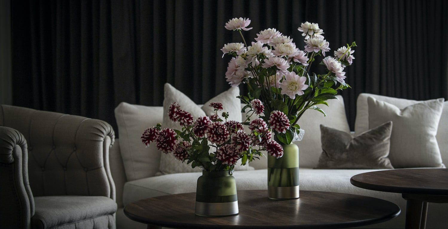 b.mine - Send cut to order, luxury peony flowers direct from the growers and delivered by UK's first online florist to be entirely sustainable and 100% plastic-free.